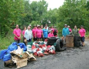 Stream Team Clean Up. Photo courtesy Jay Doty.
